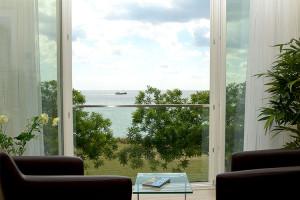 Immobilien Rügen Meerblick Hier: Wohnzimmer mit Meerblick in der Ostseeresidenz Sassnitz