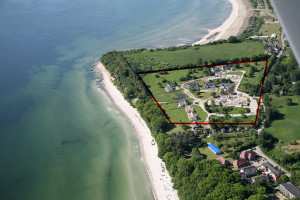Grundstücke auf Rügen Hier: Luftaufnahme eines traumhaften Areals in Lobbe/Mönchgut
